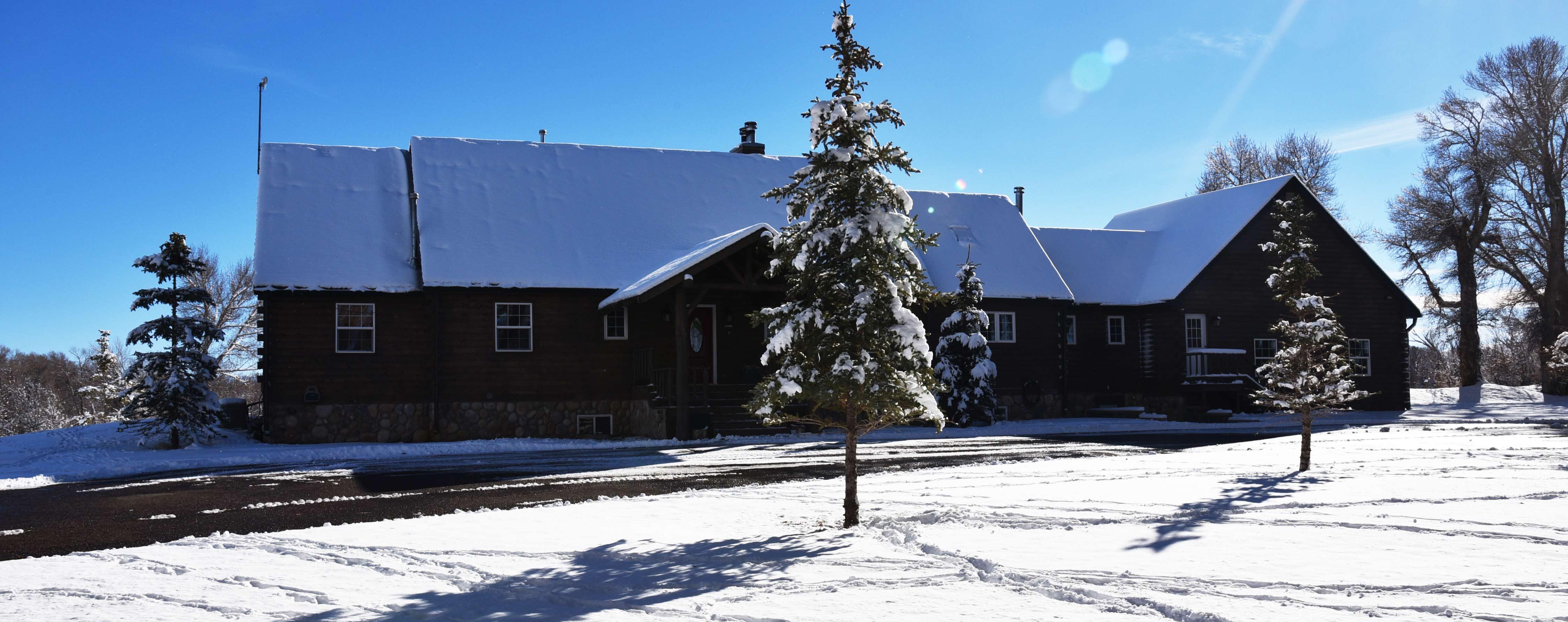 Wyoming Snowmobile Lodge